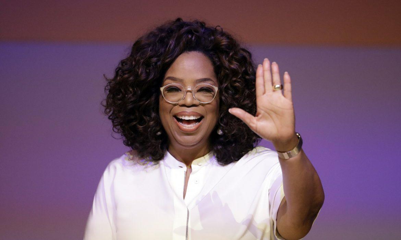 deversity-consults-Oprah-Winfrey-waving-her-hands