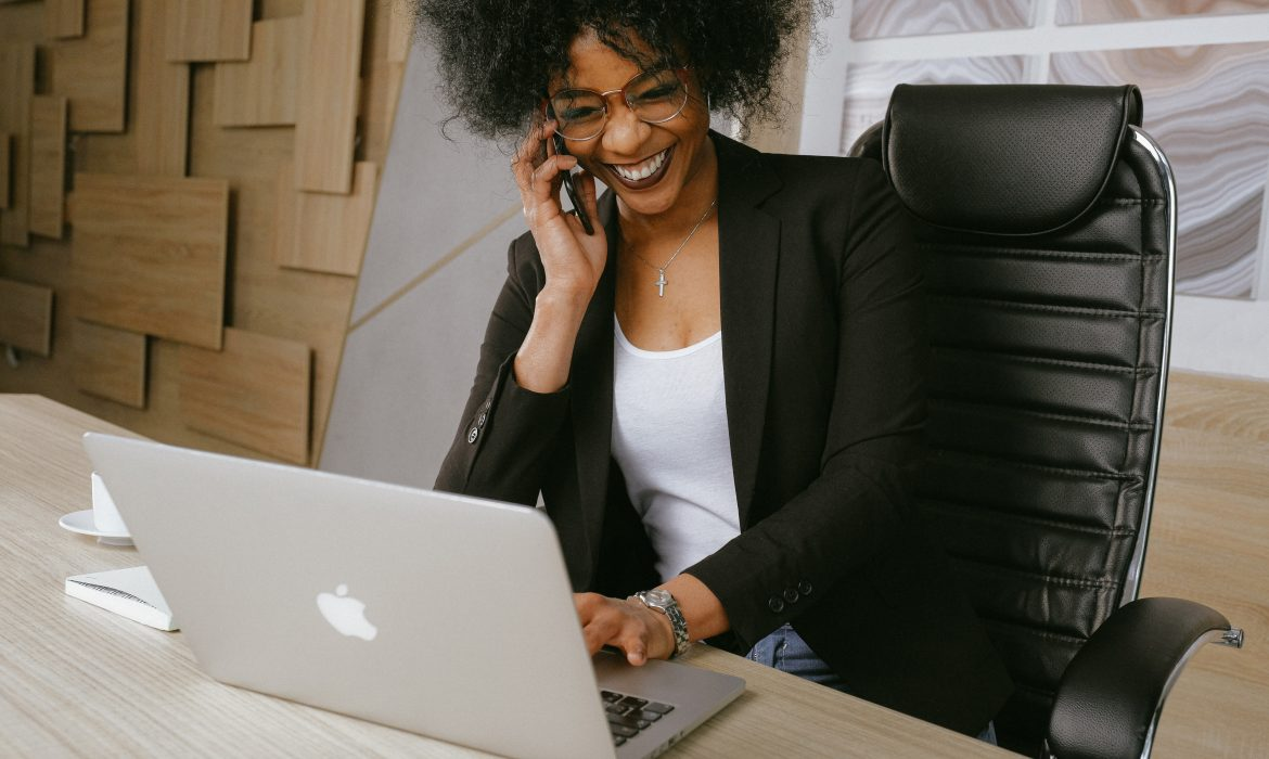 how-to-win-customers-by-the-minute-by-deversity-consults